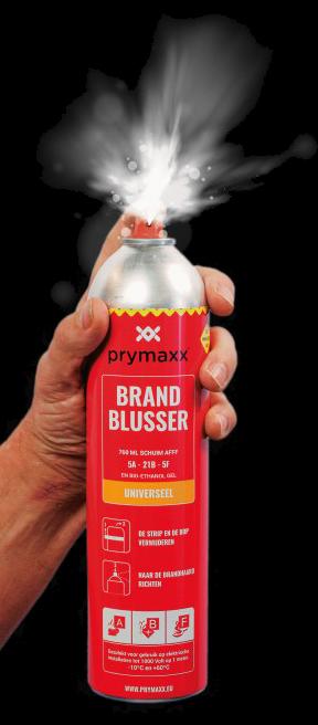 Spray fire extinguisher