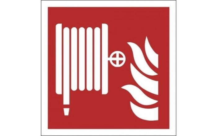 Fire-safety-signs-ISO-7010-of-plastic-Fire-hose-F002-escape-route-indications.nl-glow-in-the-dark-fire-reel