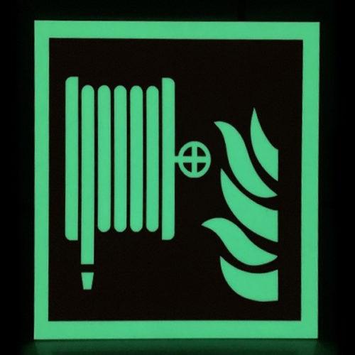 Brandschutzschilder-ISO-7010-aus-Kunststoff-Feuerwehrschlauch-F002-Escapeewegaanduidingen.nl-Glow-in-the-Dark