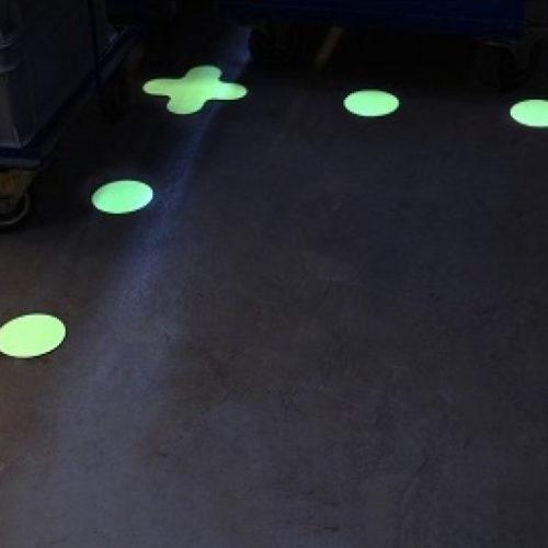 Glow-in-the-Dark-Dots-Lighting-Lösungen-Afterglowing-Piktogramme-Photolumineszenz-Produkte
