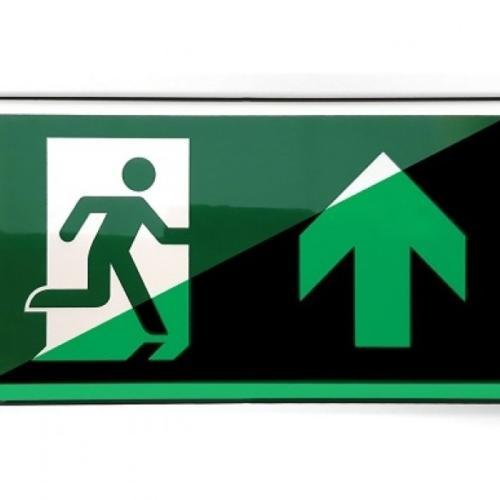 Nooduitgangbord rechtdoor