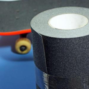 Skateboard-Grip-Tape-with-Board-Heskins-vluchtwegaanduidingen